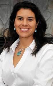 Laura Contreras-Rowe Headshot